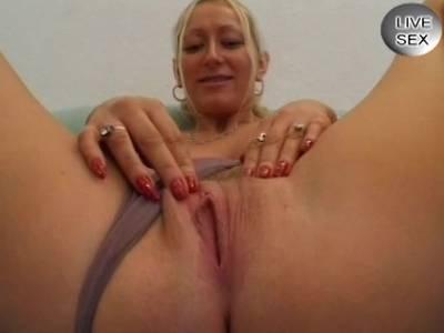 Amateurin mit grossen Titten zum Spontanfick ueberredet