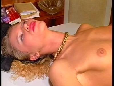Blondinen Fickvideo aus den 90ern