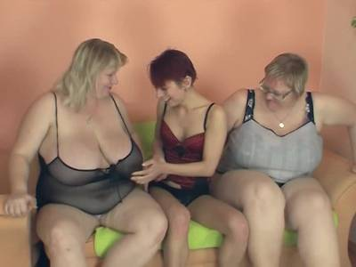 Lesbendreier mit zwei fetten Weibern