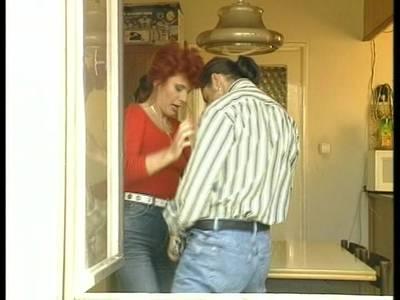 Toller Sex mit rothaariger Hausfrau